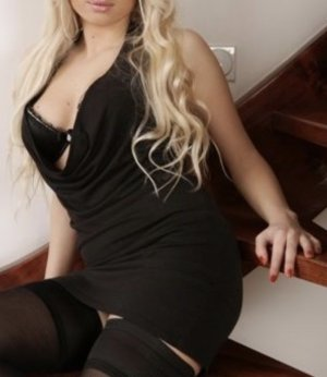 Aline-marie shemale incall escorts